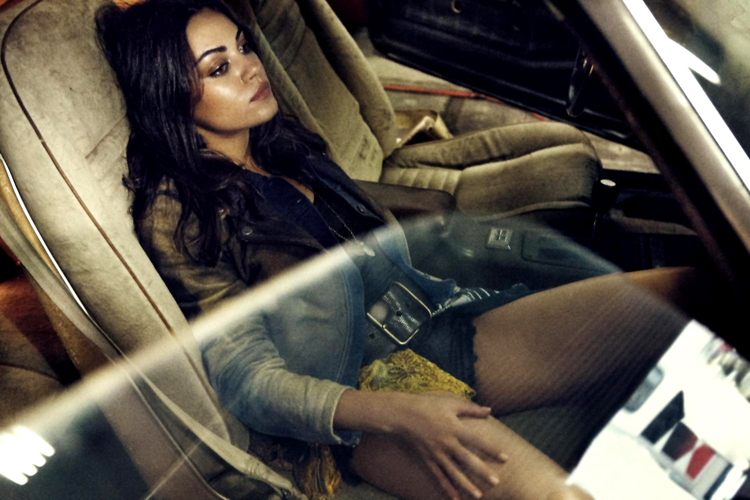 http://1.bp.blogspot.com/--f8ddkzX9sI/UAw1tp2GX0I/AAAAAAAAJtI/-FjSl6so1as/s1600/Mila+Kunis+–+Interview+Magazine+(August+2012)+(4).jpg