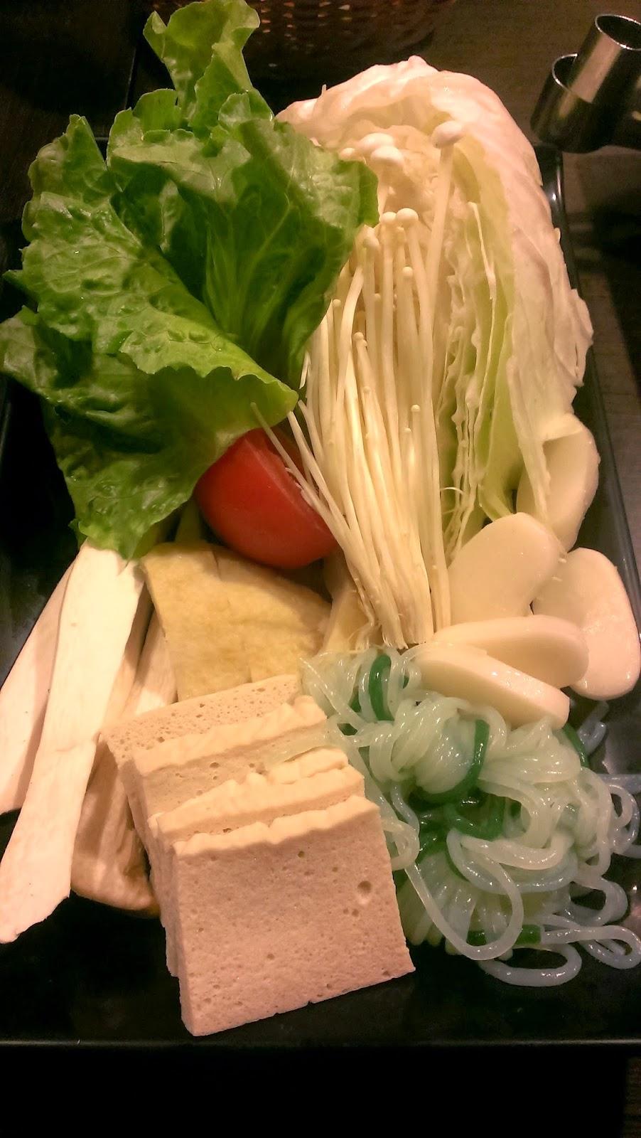 2014 11 09%2B17.18.11 - [食記] 潮肉壽喜燒 - 平價多樣的壽喜燒吃到飽