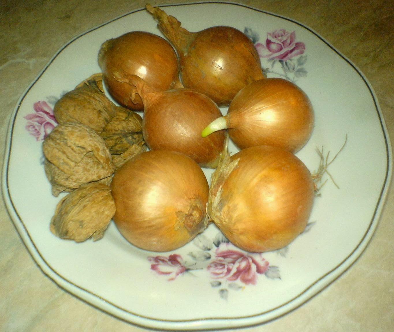 ingrediente sirop de ceapa si nuci, retete cu ceapa, retete ce nuci, preparate din ceapa, preparate din nuci, reteta leacuri babesti populare,