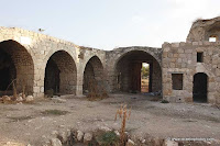 Lod, Khan el-Hilu, Archeology and History,