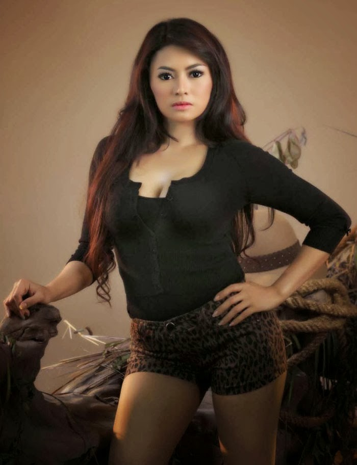 Hot] Foto Menantang Vitalia Sesha Mantan Teman Kencan Ahmad Fathonah ...