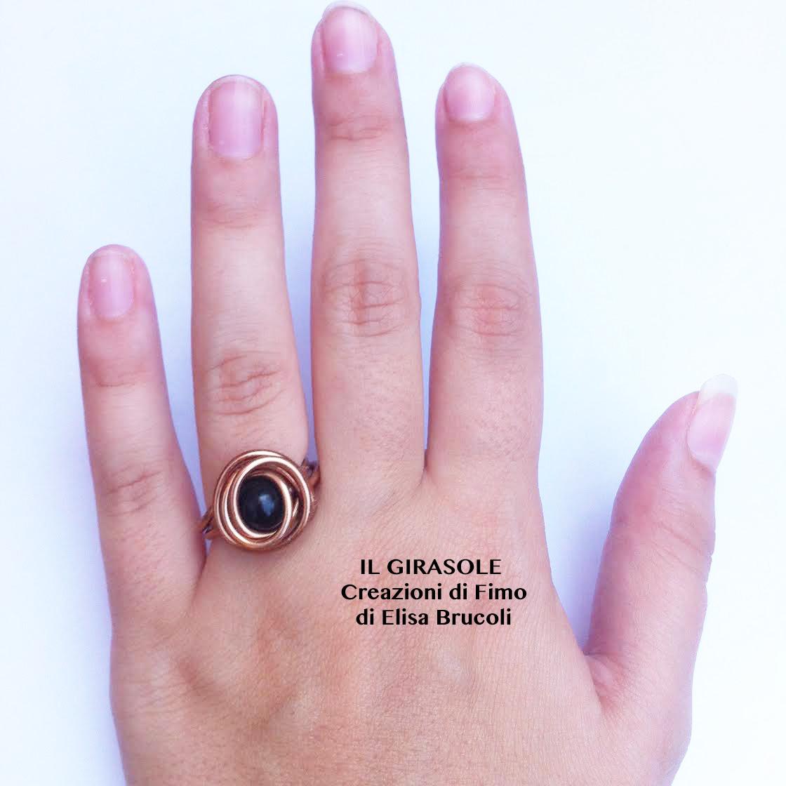 Amato Anello in filo di alluminio ramato con perla nera - Il GiraSole ❂ IU77