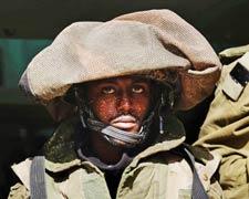 İsrail'de bir falaşa asker