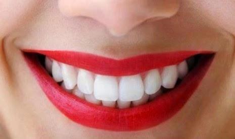 Trik Cerahkan Gigi Anda Dalam Waktu 5 Menit