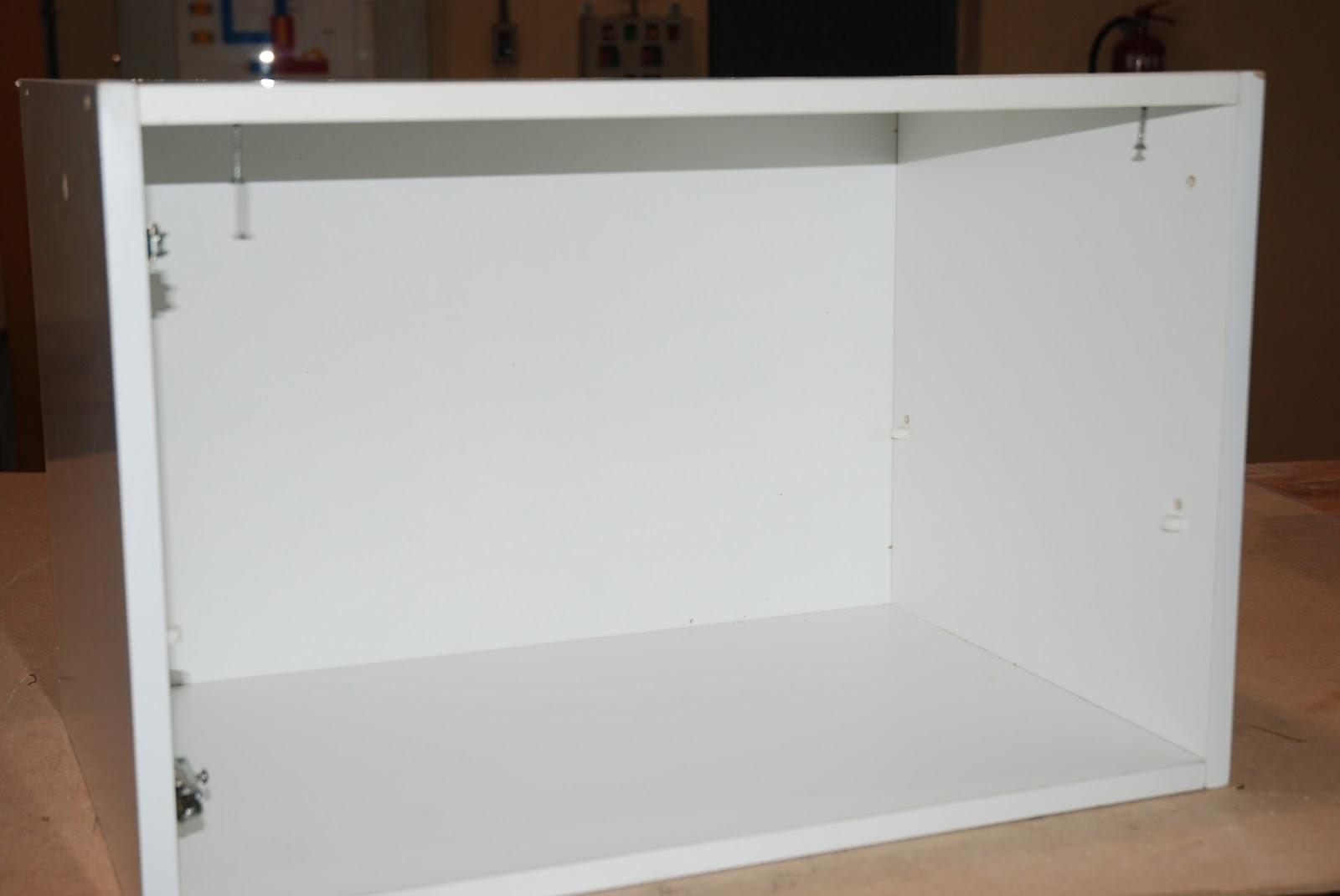 Caballito de cart n adaptar modulo de cocina encima del - Que poner encima de una comoda ...