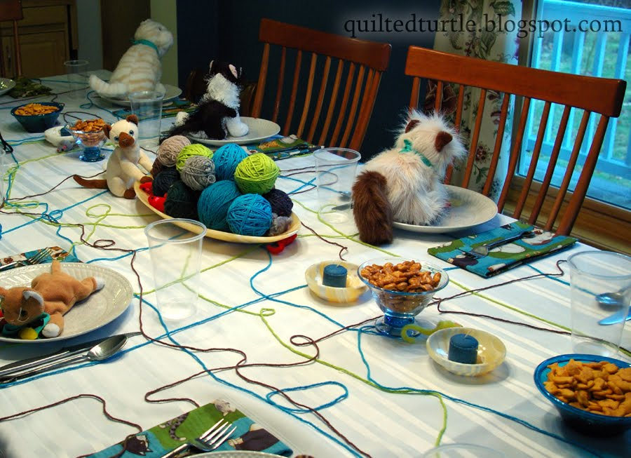 The Quilted Turtle: Cat Party Table Decorations