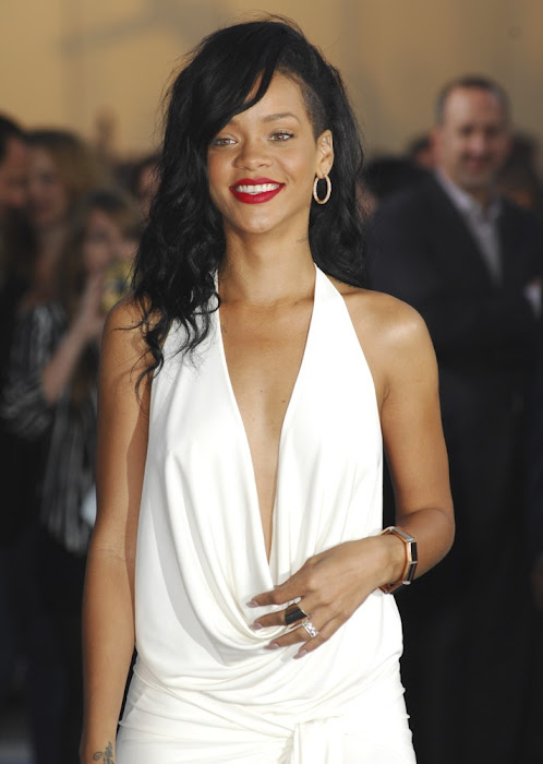 rihanna at battles premiere actress pics