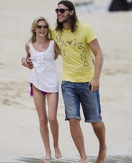 Andy Carroll with Girlfriend Pics | All Sports Stars