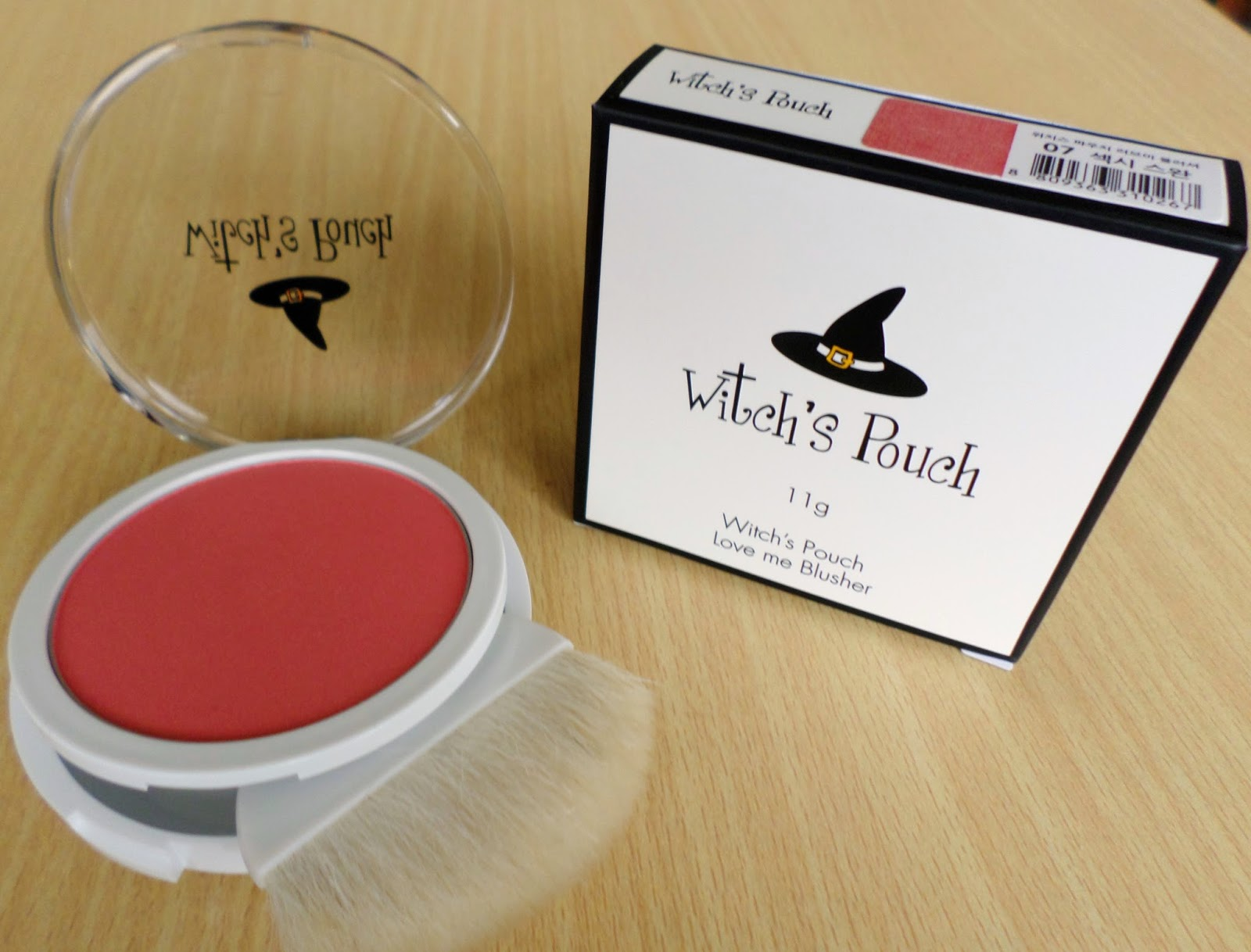 Witch's Pouch Love Me Blusher 07 Sexy Swan 11g rrp $14
