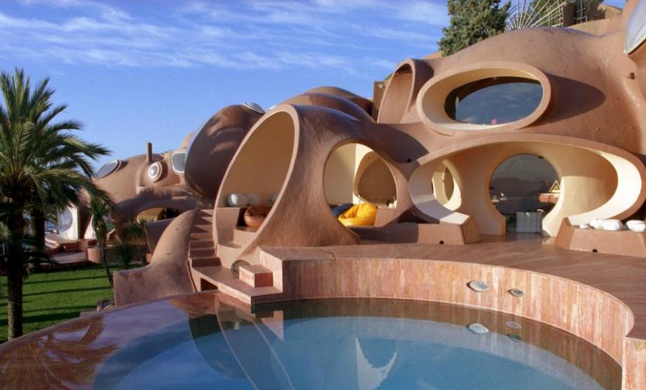 What makes us pierre cardin s bubble house for Architecture organique