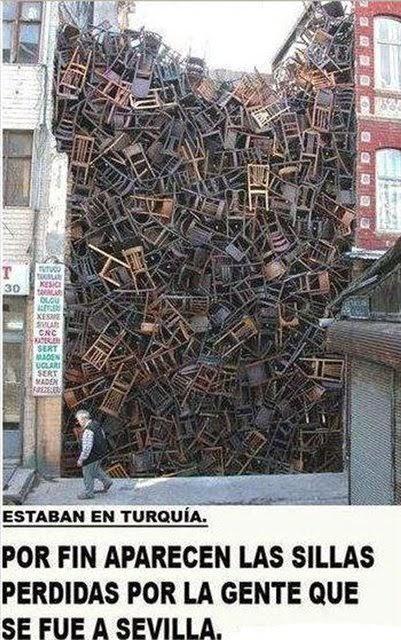 Aparecen las sillas de Sevilla
