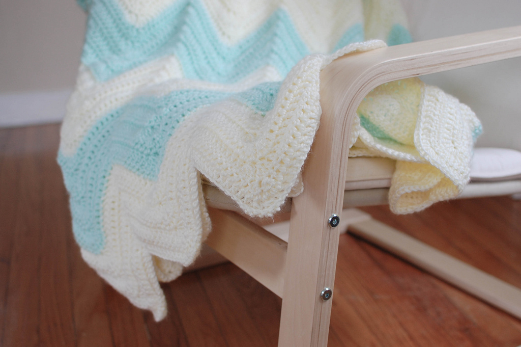 people webs: pattern: zig zag blanket