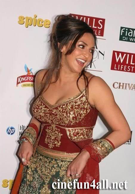 having-kinky-esha-deyol-all-nude-hd-image-brown
