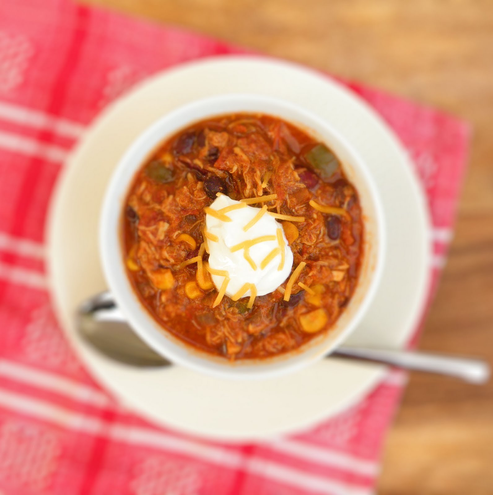 Vittles and Bits: Slow-Cooker Summer Chicken Chili