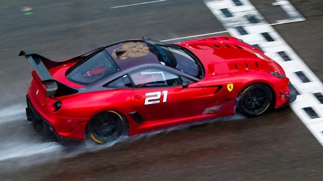 Fondo de Pantalla Ferrari 599XX EVO Rojo