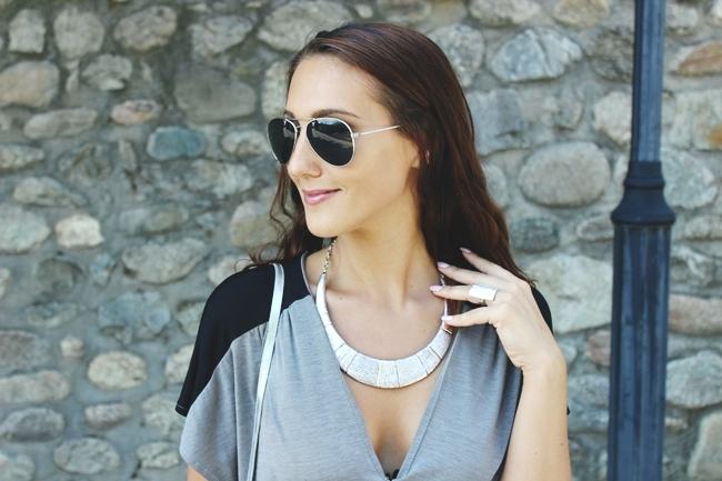 Ancient inspiration & Modern fashion.Ancient inspired looks.H&M sunglasses and purse.Statment silver necklace.Anticka/drevna inspiracija i savremena moda.Modna inspiracija.