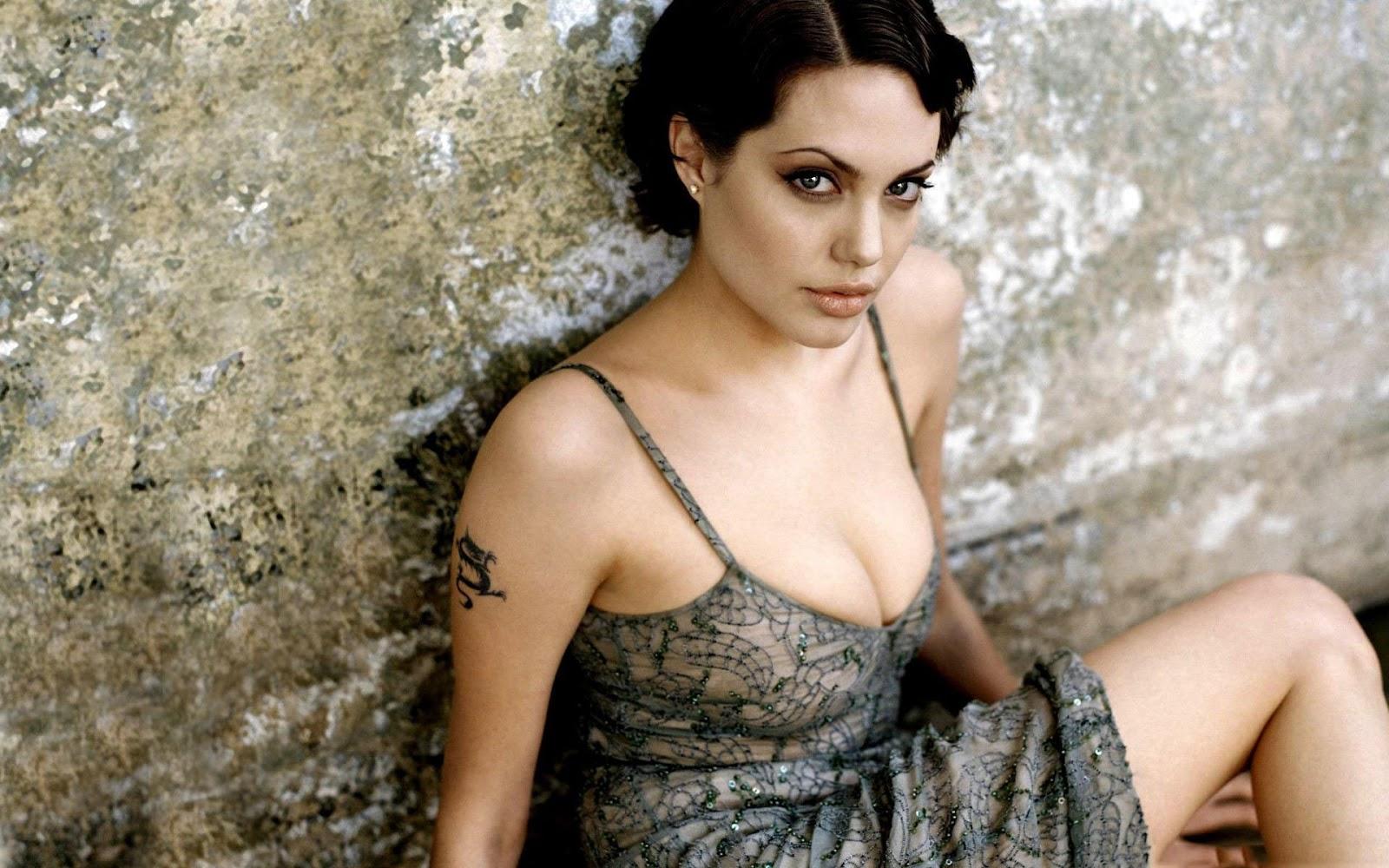 http://1.bp.blogspot.com/--hs-mheqBms/URxywN3l7oI/AAAAAAAAETs/XBq_eHk8KZ8/s1600/Angelina+Jolie+fresh+photo++2013+05.jpg