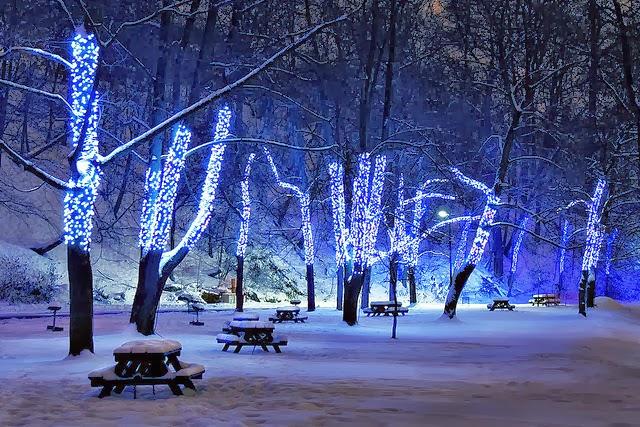 http://suryambika.blogspot.com/2013/12/christmas-photography.html