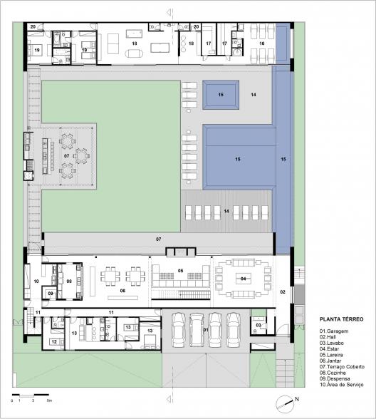 Thinking of colors architecture design casa mg - Planos de casas con patio interior ...