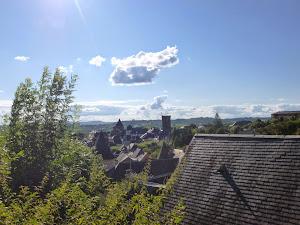 le soleil est arrivé avec quelques nuages pour mémoire