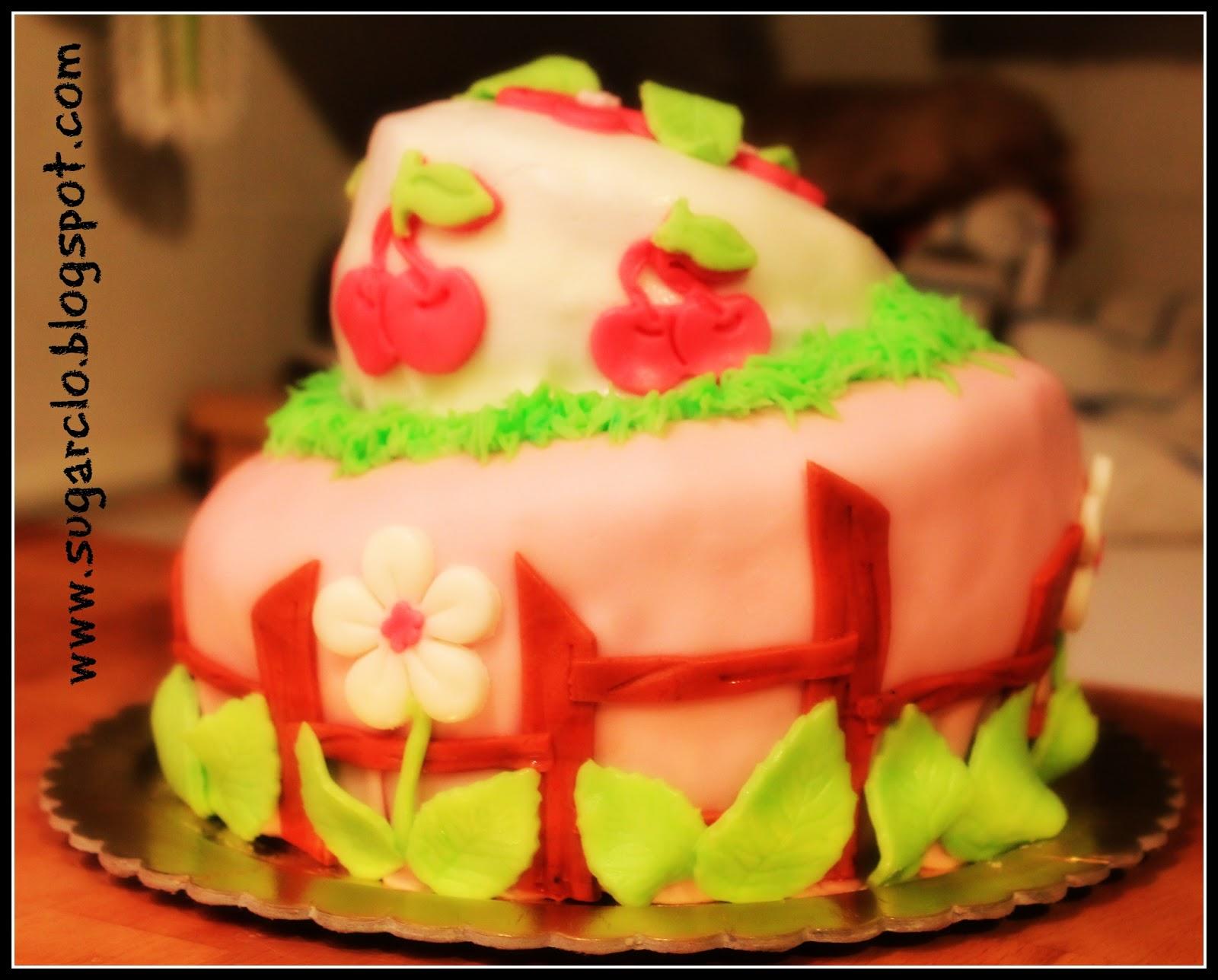 Sugarclo i pasticci di clo due piani di topsy turvy cake for Piani domestici di base