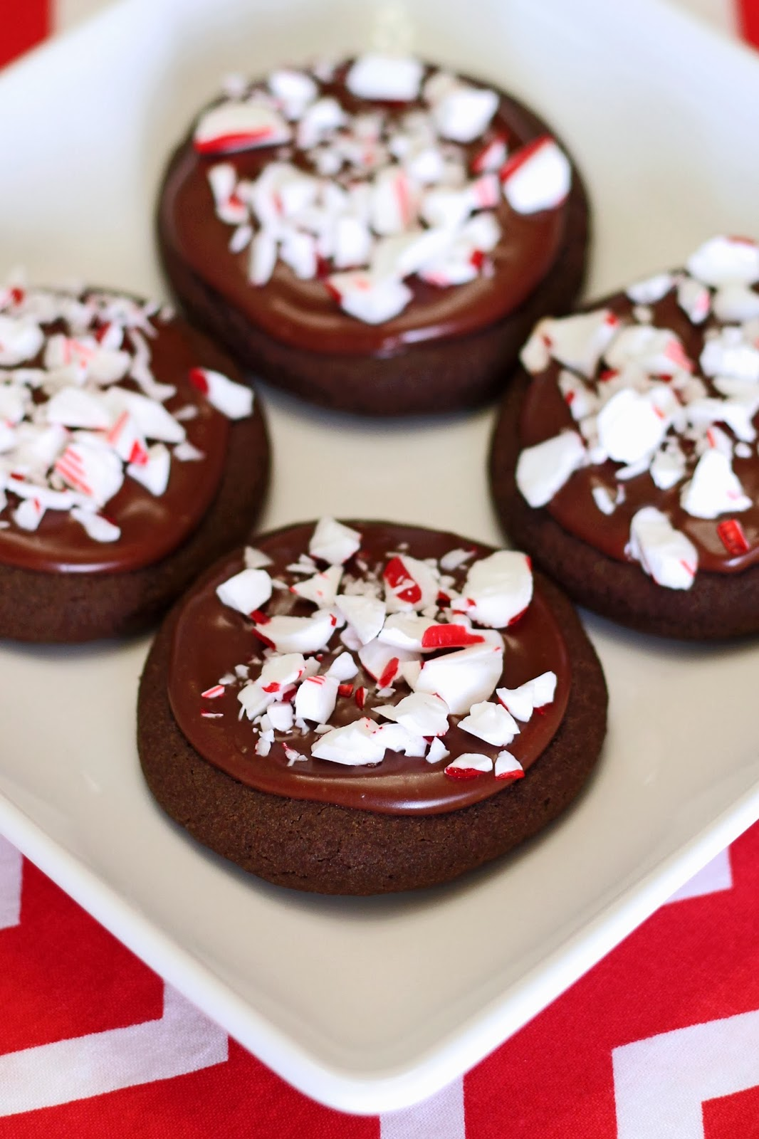 ... Free Treats: gluten free vegan frosted chocolate peppermint cookies