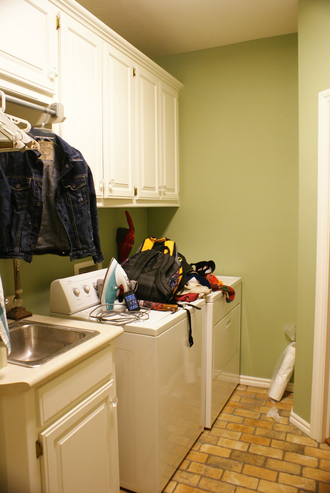 Now I WANT To Be In My Laundry Room! - Dimples and Tangles
