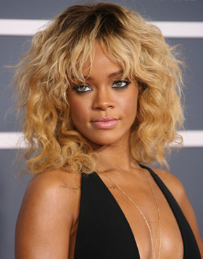 grammy 2012 hair rihanna
