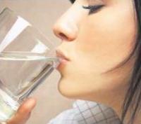 Cara Melakukan Terapi Air Putih
