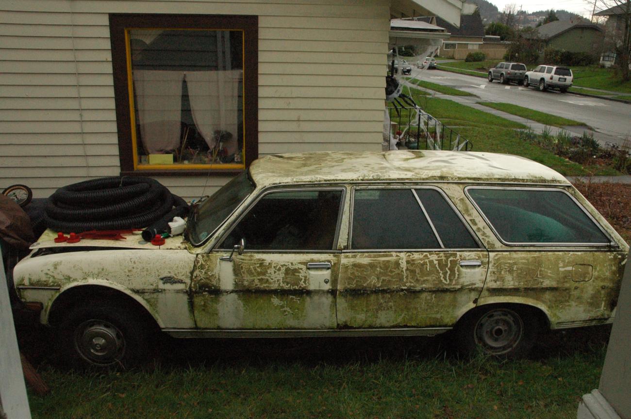 old parked cars 1978 peugeot 504 diesel wagon. Black Bedroom Furniture Sets. Home Design Ideas