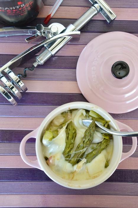 asparagi in cocotte con pancetta e scamorza affumicata