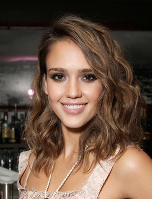 Top 10 Celebrity Medium Hairstyles 1