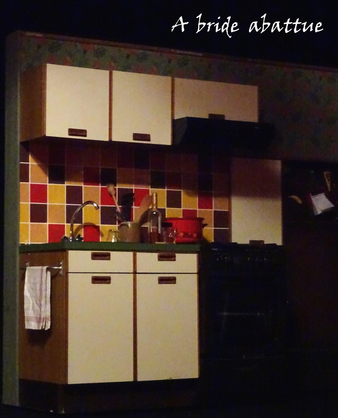 a bride abattue partie en gr ce au th tre la bruy re. Black Bedroom Furniture Sets. Home Design Ideas