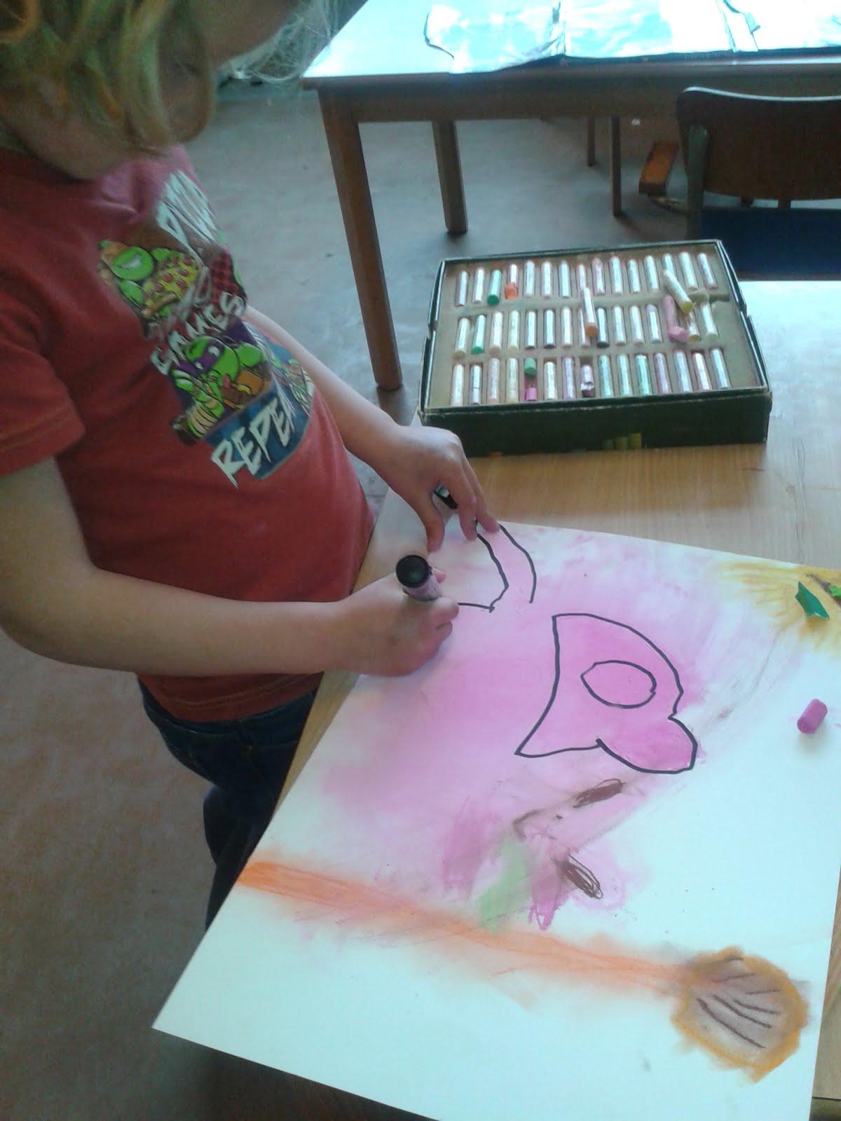 Tekenen en uitwrijven met pastelkrijt