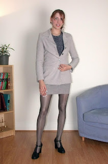 湿的猫 - Secretary Strip Pantyhose