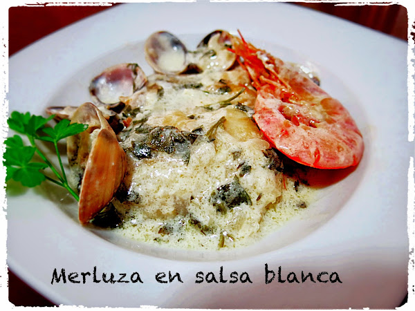 Merluza en salsa con gambas y almejas cocinar en casa es - Cocinar merluza en salsa ...
