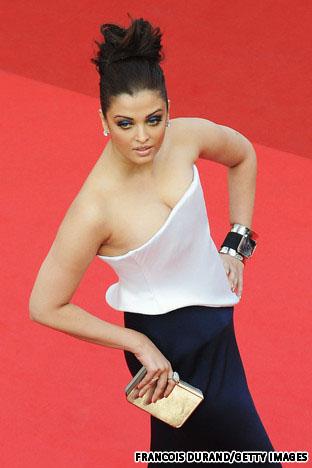 Aishwarya%2BRai%2Bget%2Bpregnant%2B%25252813%252529 SHOCKING PIC SURFACES: Did Beyonce Get PREGNANT At 15?