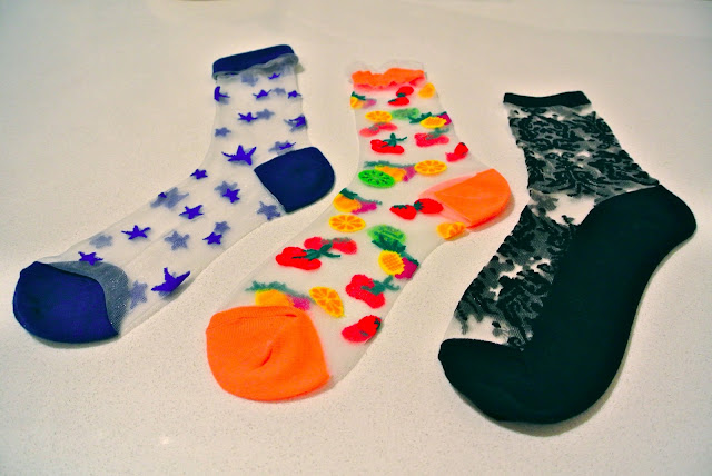 Sheer starts fruit and lace socks from Tokyo