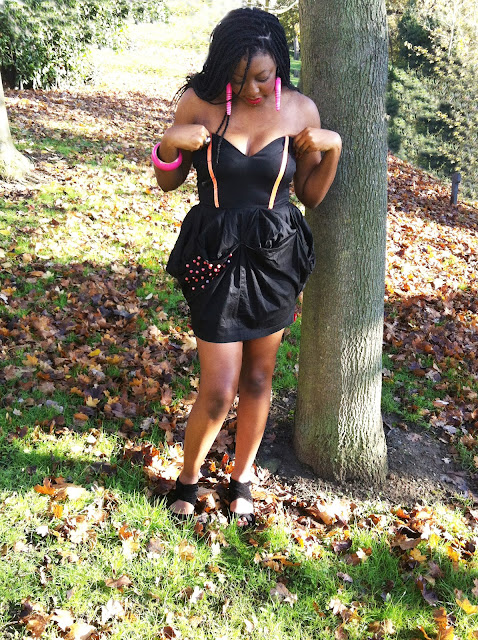 black sweetheart pick up dress with red beads