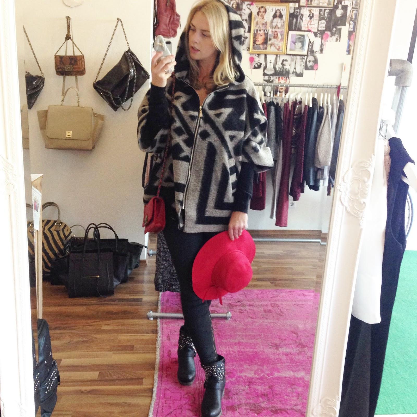 La-parisienne-red-hat-jacket
