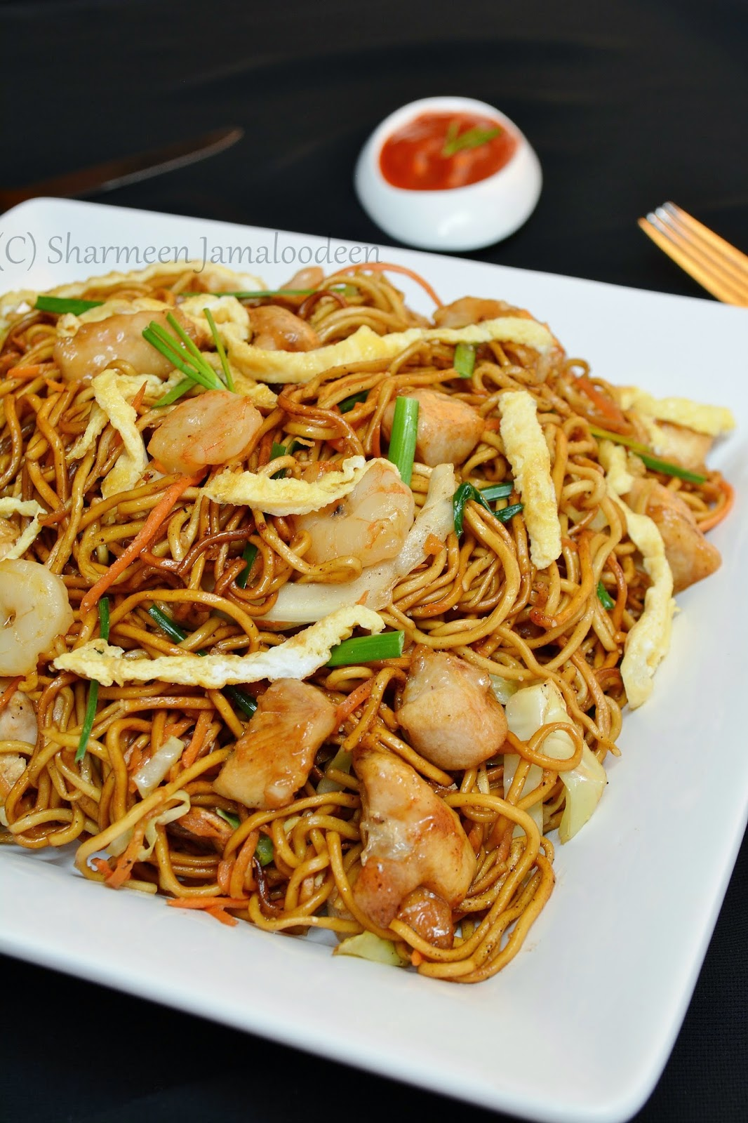 confessions of a foodaholic mauritian fried noodles mine frite special