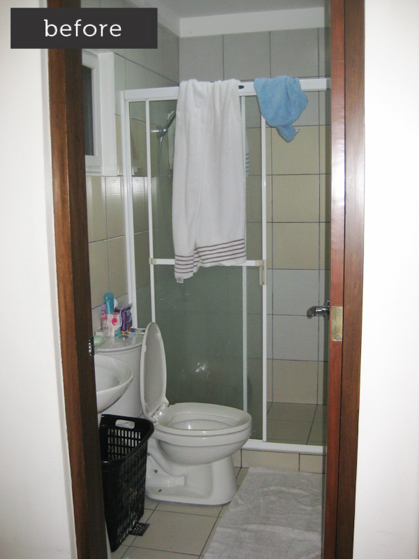 white bathroom, classic bathroom, white tiles, silver ornate mirror