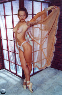 Teen Nude Girl - rs-04-753290.jpg