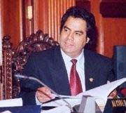 ALCIDES CHAMORRO ALCALDE DE HUANCAYO
