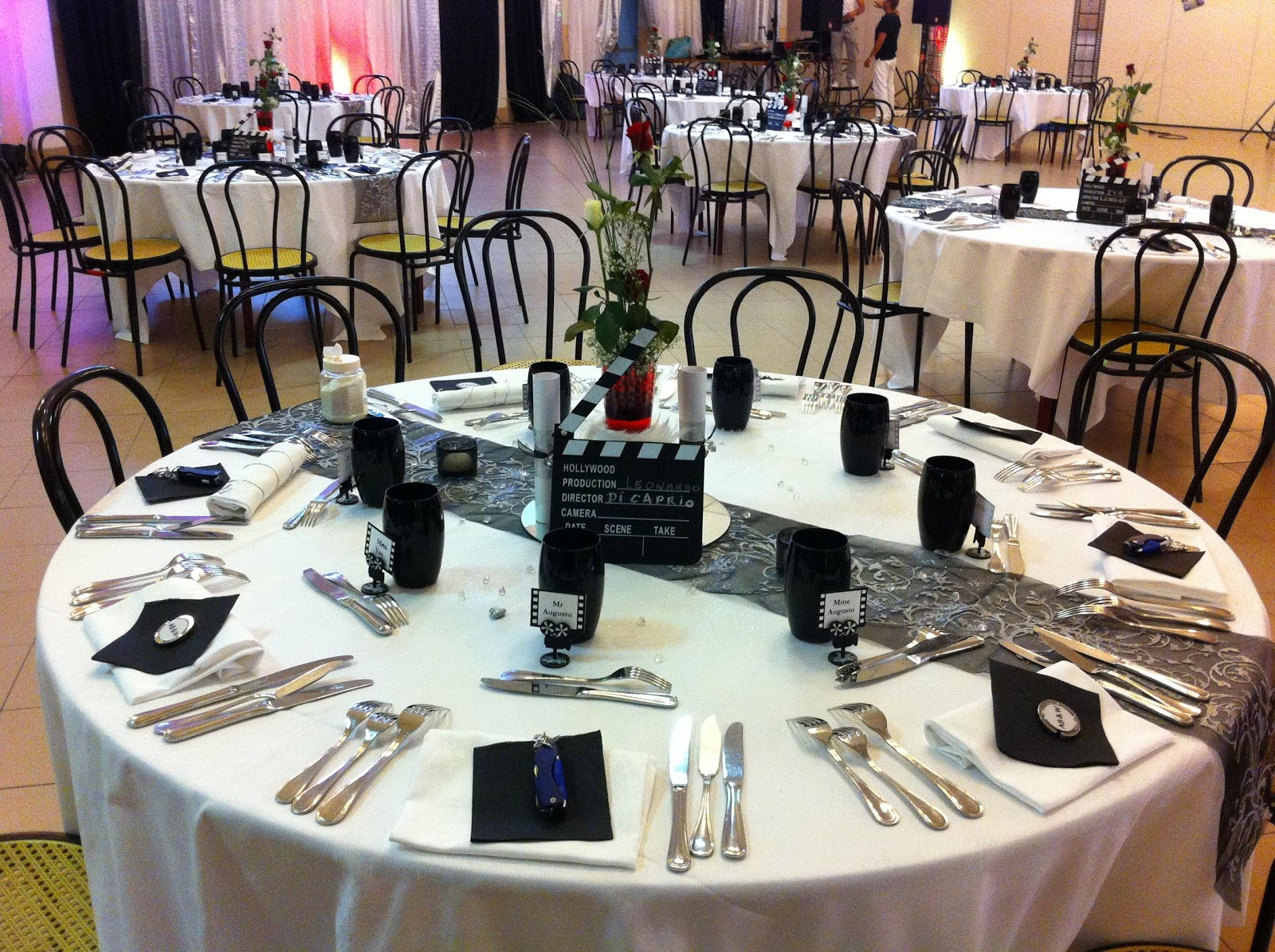 Soir e a theme decoration soiree a theme decoration for Table theme cinema