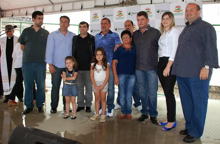 Secretário de Educação, Leonardo Vasconcellos, é homenageado por todo o trabalho feito