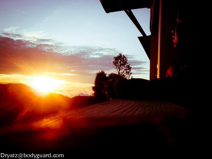 Depan puncak gunung kinabalu sabah