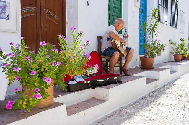 Cultura tolerancia música festival agosto