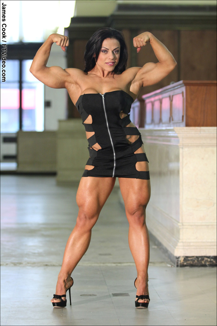 Mavi Gioia Flexing Her Biceps And Muscular Quads