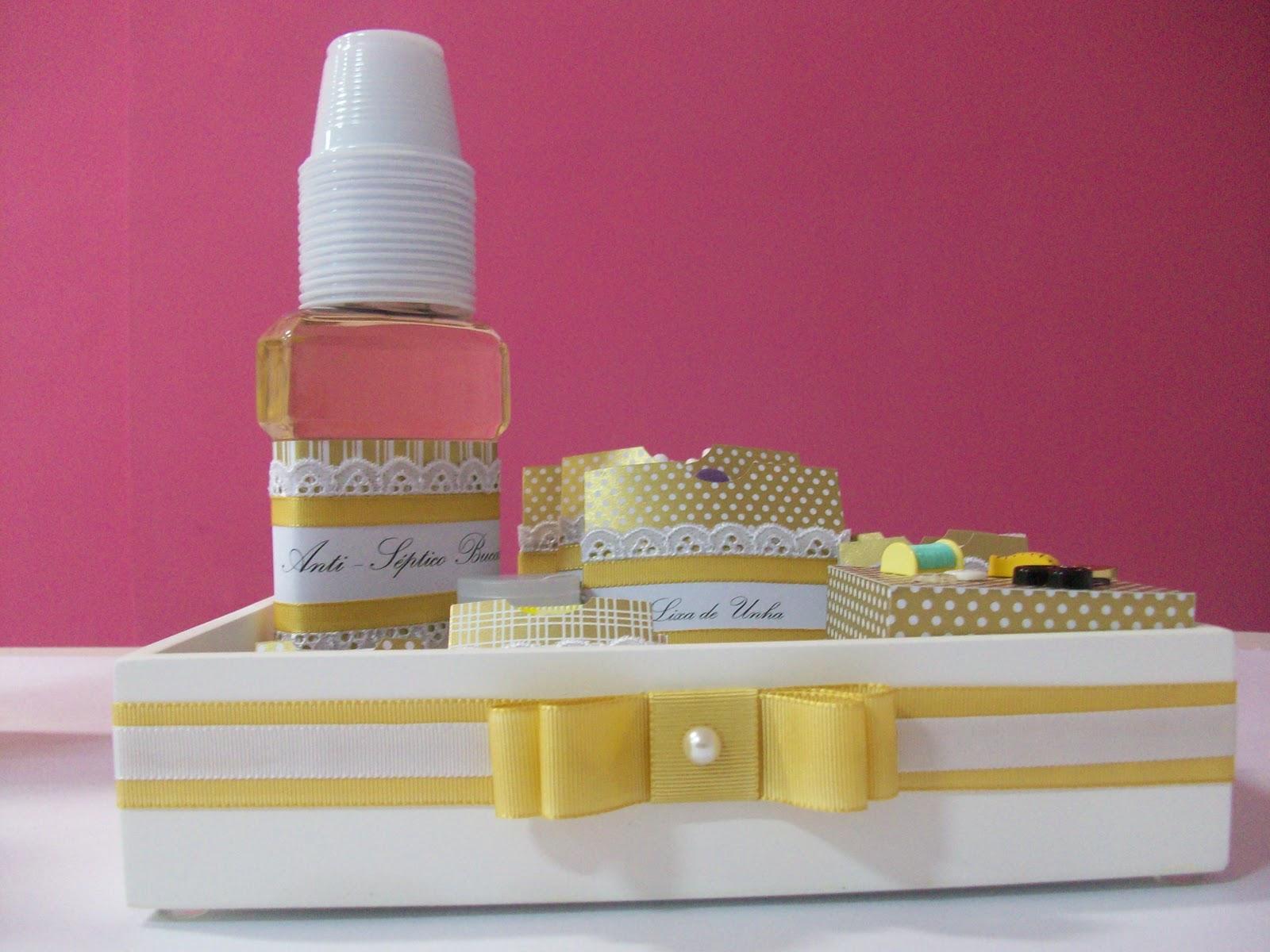 Mais um kit de banheiro esse foi feito com papel matallik dourado #8E334C 1600 1200